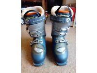 Salomon womens ski boots Siam 8 size 6-7 (mondo 25/25.5)
