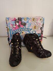 Brand new! Irregular choice UK5 rare amazing disco shoe-boots