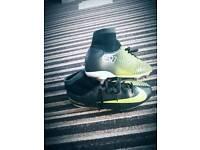 Cr7 boys football boots