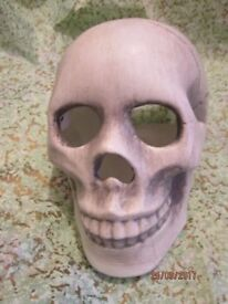 LARGE SKULLS HALLOWEEN DECORATION NEW I HAVE 4 AVAILABLE GREAT FOR A PARTY OR EVENT