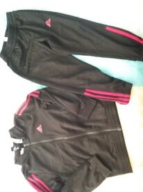 Addidas track suit 5-6 years