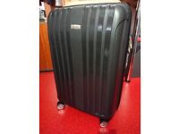 BRAND NEW 78cm Hard Shell Lightweight Suitcase in Black, 4 wheels Spinner
