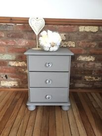 Shabby chic bedside drawers/lamp table Annie Sloan French linen