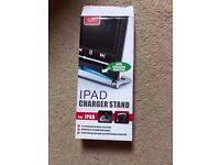 iPad/iPod or iPhone charger stand for older type connection only