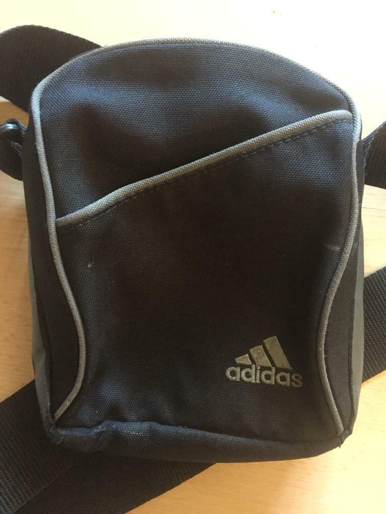 bdc7d4057d7 nike pouch in camberwell london gumtree retail prices 43e6c c3c3f ...