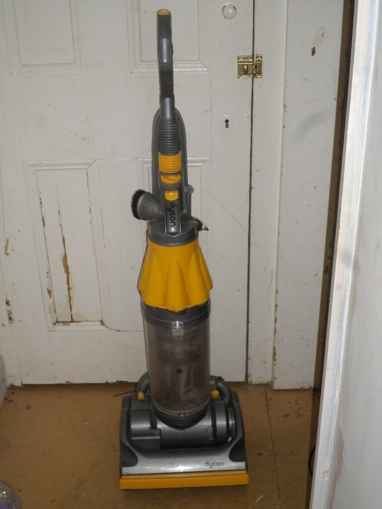 Dyson DC07 Upright Vacuum Cleaner_USED_Cash on collection only_SW2 3BE