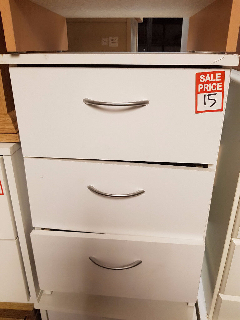 cheval 3 drawer bedside white