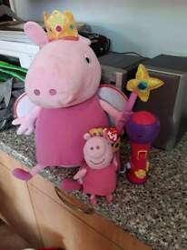 Pepper pigs and toy microphone