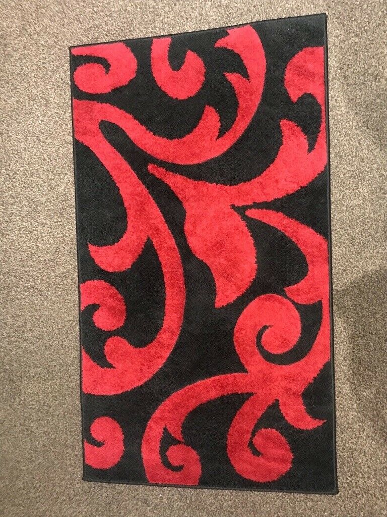 Black Red Rug Figaro Collection Used In