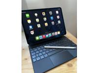 "New 11"" iPad Pro M1 with magic keyboard and Apple Pencil"