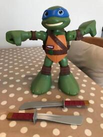 Ninja turtle half shell hero - Leo