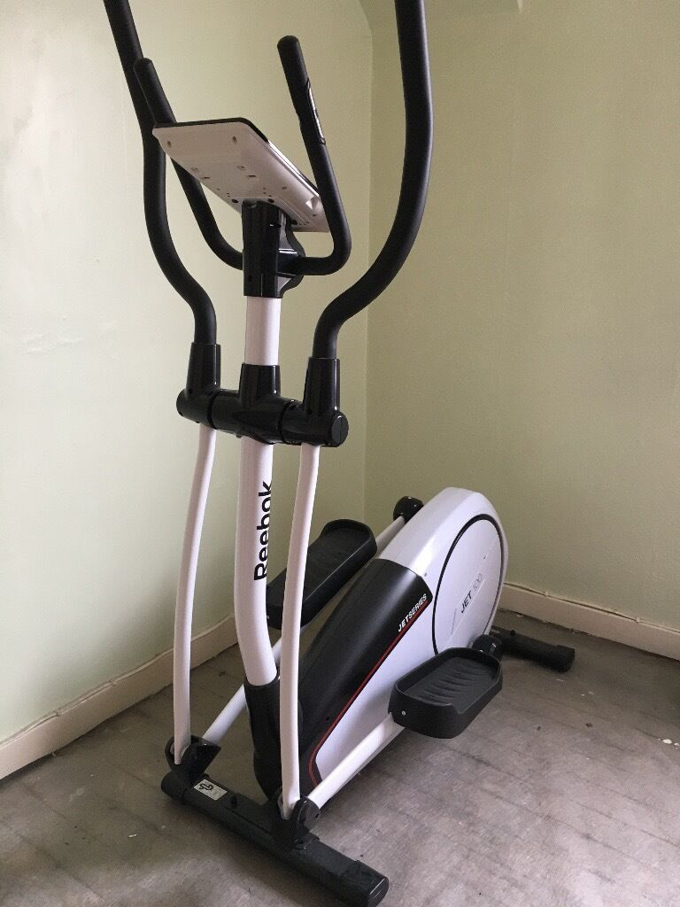 Reebok Jet 100 Series Cross Trainer Nearly New As Only