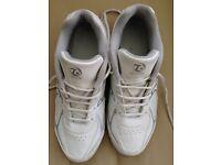 Taylors bowls shoes size 10