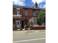 2 Bed Apartment on Edleston Road- Walking Distance to Train Station