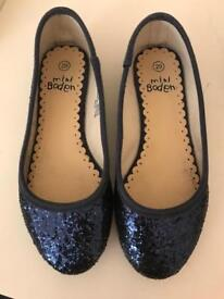 Girls Ballerina Flat - Mini Boden/Neck & Neck - Size 29 & 30