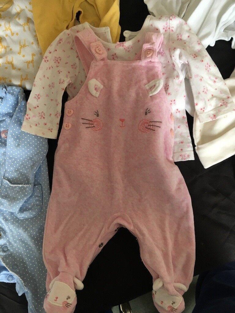06f8939f0 Huge Bundle of Baby Girl Clothing 0-6 months
