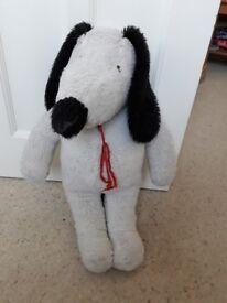 Large soft 1970s Snoopy Dog