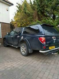 L200 pick up 9k for quick sale