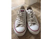 Converse white mens size 10 used item in VGC