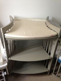 Stokke grey changing table