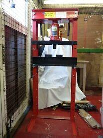 30 ton hydraulic floor press - free delivery within 5 mile radius