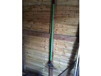 Wickes Lawn Rake 1625mm Carbon Steel (new £6.99)