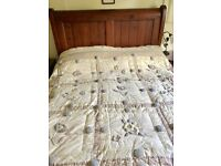 Vintage Shabby Chic cottage style patchwork effect bedspread/quilt/ throw double