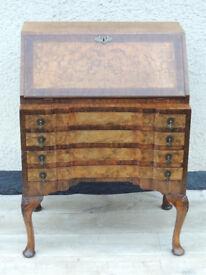 Antique bureau with key (Delivery)