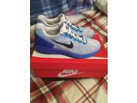 MENS NIKE TRAINERS - SIZE 9
