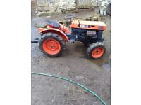 Kubota b6000 compact tractor