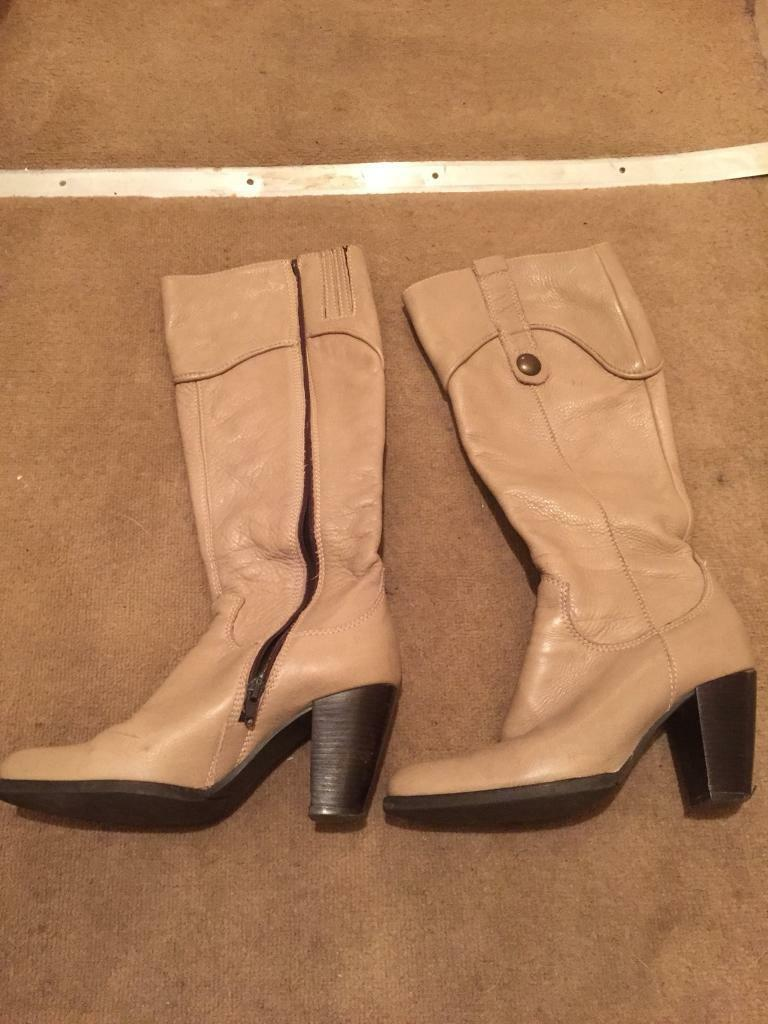 Real leather boots size 4