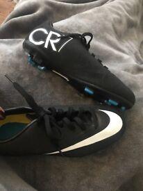 Nike CR7 boys football boots