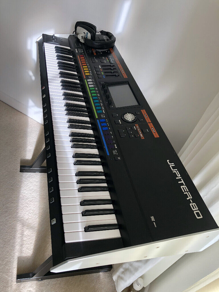 ROLAND JUPITER 80 Synthesizer Keyboard - MINT CONDITION with v2 software,  stand, pedal & interface   in Bournemouth, Dorset   Gumtree