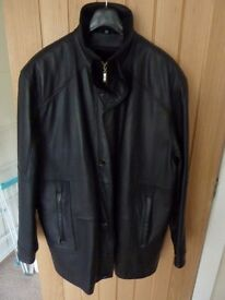 """MENS LEATHER COAT SIZE 44 ( XL) (54 CONTINENTAL) """"FUR"""" LINED"""