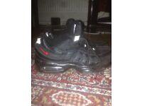 Black Nike Air 95's, size 8