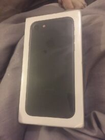 APPLE BLACK IPHONE 7 32gb EE BRAND NEW SEALED