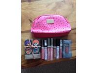 New make up bundle