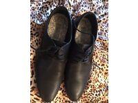 Boys/men's new shoes