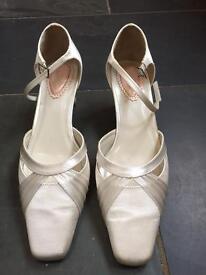Bridal shoes size 6.