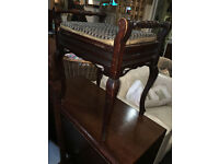 Charming Vintage Tapestry Queen Anne Mahogany Lift Up Seat Storage Piano Stool