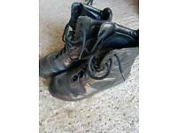 Bates size8 black army boots