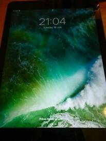 Apple ipad Air Wifi & Cellular unlocked fully boxed! - Excellent Condition