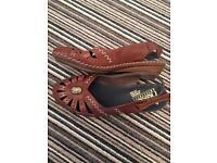 Sandals £3