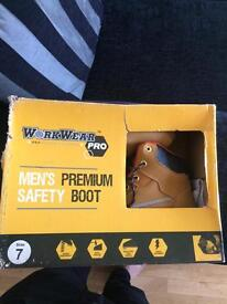 Safety Boots *Brand New*