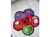 Tummy Time Spinner and Mat by Lamaze