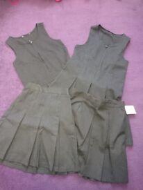 Girls school uniform never worn size 6-7y