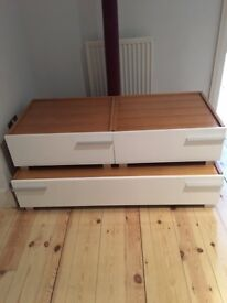 White Gloss Set of Drawers