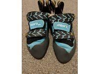 Women's VS Muiras size 4 and a half climbing shoes