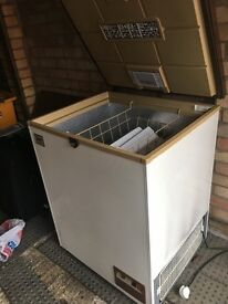 Medium size chest freezer suitable for garage excellent working order