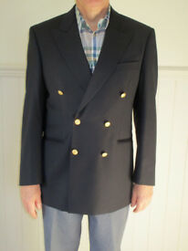 Gentleman's double-breasted Marks & Spencer blazer size 97 cm / 38 inch chest. Never worn!